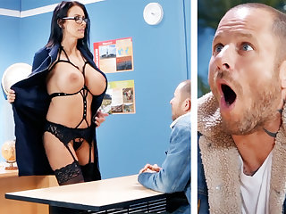Sexy teacher hardcore fucks lad to hand school