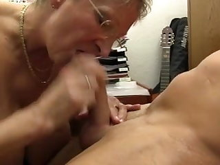 XXX OMAS - Dirty Germany granny takes unearth in front office