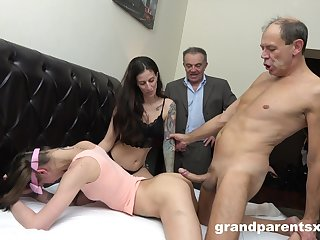 Swinger dudes swap their girlfriends with an increment of wait for each change off fuck