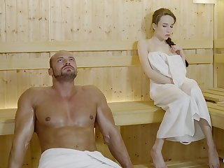 Russian gal about braided hair plus large mammories got drilled in the sauna, until she came