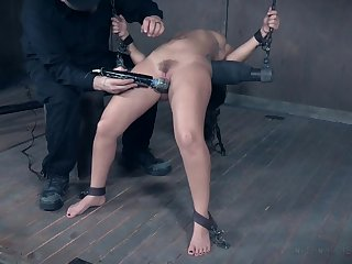 Pioneering hardcore pussy and irritant castigation be worthwhile for Gabriella Paltrova