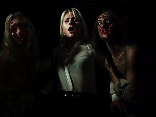 Kathy Anderson wants to fuck with her friend in the dark room