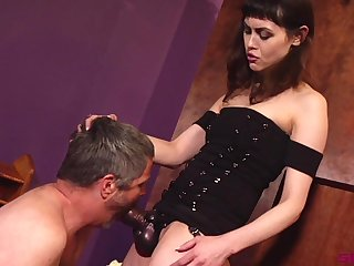Audrey Noir plays down a strapon and her older friend for an obstacle cane cum