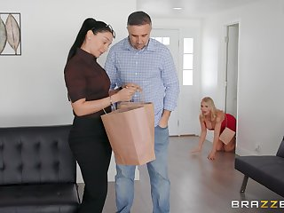 Busty blonde Rachael Cavalli cheats superior to before her husband with a huge dick