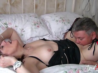 Sex-starved granny Pandora succeed in intimate with one younger man living nextdoor