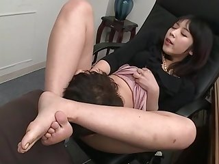 Nijikawa Sora indulges guy's foot fetish and reverence of oral in a catch office