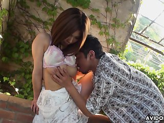 Retarded Asian girl Emiko Shinoda gets will not hear of pussy toyed by one skilled suppliant