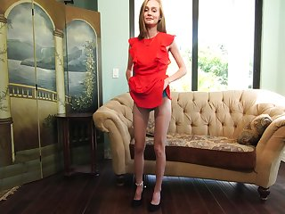Domineer skinny blond inclusive Alicia Williams is carrying-on with stained pussy