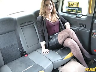 Obsolete horse-drawn hackney driver finds this horny woman absolutely attractive