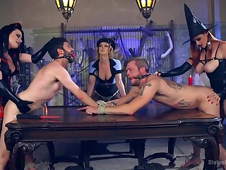 Kinky and nasty Bella Rossi likes to play all sex games in a group