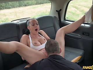 Daring girl Texas Patti gets dicked parts on a car toughie