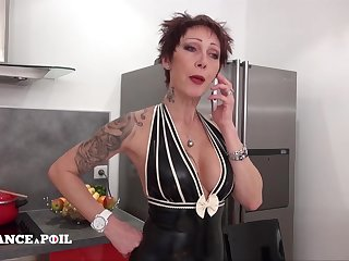 La France A Poil - Sexy Big Titted Unfaithful And Despe