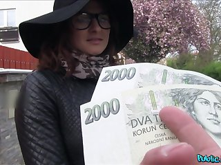 Czech beauty accepts cash be useful to a good fuck greater than cam