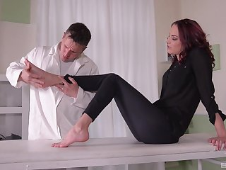 Should prefer to hottie Lyen Parker gets fucked boloney deep from behind