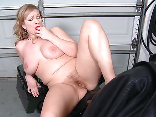Big blonde Victoria Tyler loves ID card her horny cunt