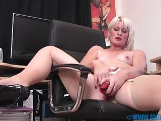 Torrid peaches chick Sexy Major Sally moans while riding a dildo