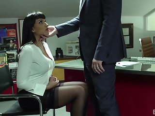 Curvaceous MILF secretary Mercedes Carrera loves to ride a dick like a champ