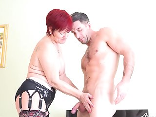 Mature skillful of seduction got new experiences with horny guy which loves hardcore sex